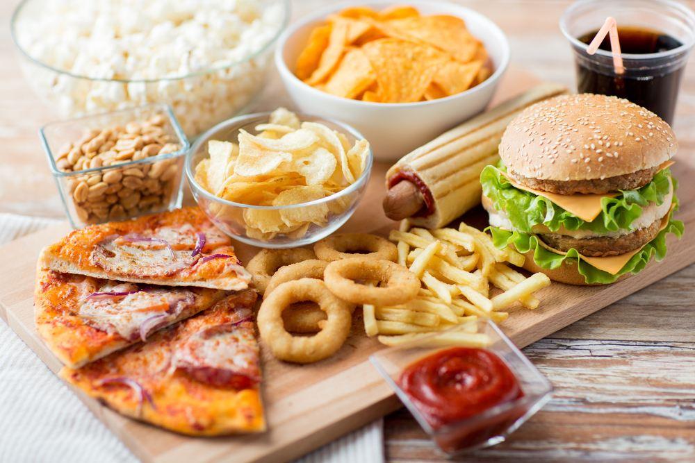Недостаток сна и выбор еды
